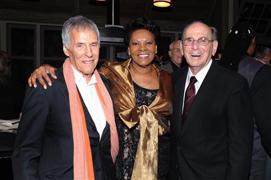 Bert Bacharach, Dionne Warwick Honor Hal David in : Legendary songwriter Hal David dies in LA at 91