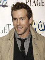 Ryan Reynolds to Play Green Lantern in New Film