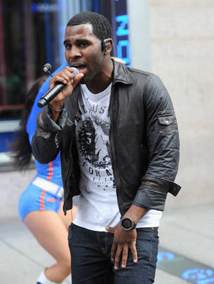 "Slide 1 of 15: Singer <a href=/celebrities/celebrity/jason-derulo/ type=""Msn.Entertain.Server.WebControls.LinkableMoviePerson"" Arg=""1699030"" LinkType=""Page"">Jason Derulo</a> performs during the <a href=/celebrities/celebrity/jason-derulo/ type=""Msn.Entertain.Server.WebControls.LinkableMoviePerson"" Arg=""1699030"" LinkType=""Page"">Jason Derulo</a> Flash Mob with Knicks City Dancers outside of Madison Square Garden on September 28, 2011 in <a href=/movies/movie/new-york.4/ type=""Msn.Entertain.Server.WebControls.LinkableMovie"" Arg=""2268226"" LinkType=""Page"">New York</a> City."