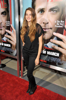 "Slide 1 of 95: Actress <a href=/celebrities/celebrity/shailene-woodley/ type=""Msn.Entertain.Server.WebControls.LinkableMoviePerson"" Arg=""1229572"" LinkType=""Page"">Shailene Woodley</a> arrives at the ""Ides Of March"" <a href=/movies/movie/los-angeles.2/ type=""Msn.Entertain.Server.WebControls.LinkableMovie"" Arg=""2296667"" LinkType=""Page"">Los Angeles</a> Premiere held at AMPAS Samuel Goldwyn Theater on September 27, 2011 in Beverly Hills, California. at the <a href=/movies/movie/los-angeles.2/ type=""Msn.Entertain.Server.WebControls.LinkableMovie"" Arg=""2296667"" LinkType=""Page"">Los Angeles</a> premiere in Beverly Hills on September 26, 2011"