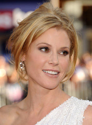 "Slide 1 of 250: Julie Bowen attends the ""Horrible Bosses"" Los Angeles Premiere at Grauman's Chinese Theatre on June 30, 2011 in Hollywood, California. at the Horrible Bosses premiere in Hollywood on June 29, 2011"