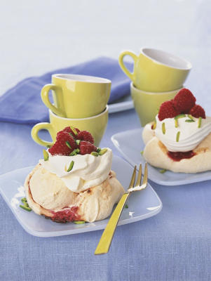 Photo: Raspberry meringues