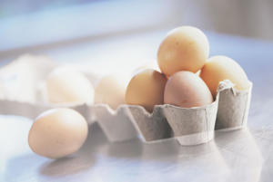 Photo: Eggs - Rich in zinc, protein, and vitamins A, B12, D, and E, eggs also contain, in their yolk, a substance called lecithin, which can protect against cardiovascular disease.