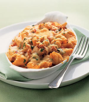 Photo: Low-fiber pasta bake - A white-pasta bake with tuna, topped with low-fat hard cheese, is a great low-fiber option for people suffering from diverticulitis.