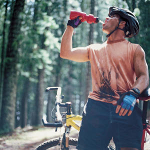 Photo: Maintaining fluid levels - When you are exercising or taking part in sports, it is essential to replace fluids lost through perspiration by drinking lots of water.
