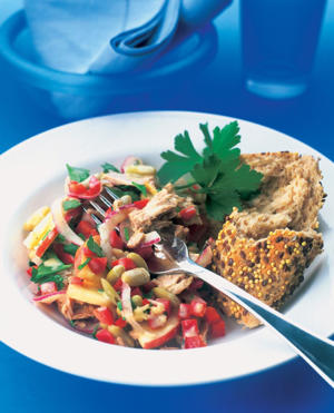 Photo: Healthy high-fiber dish - Tuna and bean salad and a hunk of whole-grain bread make a low-fat, high-fiber meal that can help prevent the formation of gallstones.