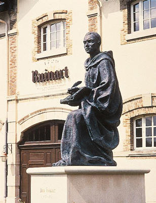 Photo: Statue of Dom Thierry Ruinart