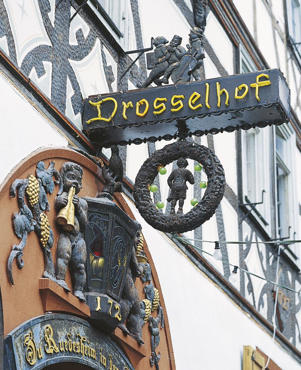 Photo: Drosselhof wine bar, Rüdesheim, Rheingau