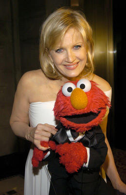 "Slide 1 of 160: <a href=/celebs/celeb.aspx?c=231602 Arg=""231602"" type=""Msn.Entertain.Server.LinkableMoviePerson"" LinkType=""Page"">Diane Sawyer</a> and Elmo"
