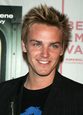 "Slide 1 of 3: <a href=/celebs/celeb.aspx?c=256814 Arg=""256814"" type=""Msn.Entertain.Server.LinkableMoviePerson"" LinkType=""Page"">Riley Smith</a> at the <a href=/movies/movie.aspx?m=546987 Arg=""546987"" type=""Msn.Entertain.Server.LinkableMovie"" LinkType=""Page"">New York Minute</a> premiere in New York City on May 04, 2004"