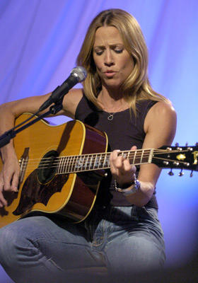 "Slide 1 of 17: <a href=/celebs/celeb.aspx?c=56780 Arg=""56780"" type=""Msn.Entertain.Server.LinkableMoviePerson"" LinkType=""Page"">Sheryl Crow</a> performs"