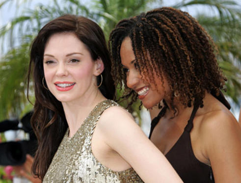 "Slide 1 of 104: <a href=/celebs/celeb.aspx?c=117695 Arg=""117695"" type=""Msn.Entertain.Server.WebControls.LinkableMoviePerson"" LinkType=""Page"">Rose McGowan</a> and <a href=/celebs/celeb.aspx?c=467341 Arg=""467341"" type=""Msn.Entertain.Server.WebControls.LinkableMoviePerson"" LinkType=""Page"">Tracie Thoms</a>"