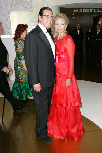 Slide 1 of 6: Roger Moore and Wife at the 2005 Monaco Red Cross Ball