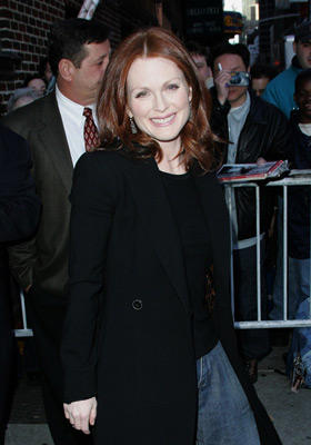 "Slide 1 of 5: <a href=/celebs/celeb.aspx?c=241241 Arg=""241241"" type=""Msn.Entertain.Server.LinkableMoviePerson"" LinkType=""Page"">Julianne Moore</a>"