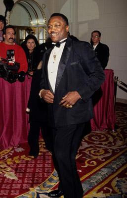 "Slide 1 of 4: <a href=/celebrities/celebrity/joe-frazier/ type=""Msn.Entertain.Server.WebControls.LinkableMoviePerson"" Arg=""252559"" LinkType=""Page"">Joe Frazier</a> attends event circa 1993."