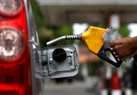Petrol price cut by Rs 1 per litre, diesel unchanged