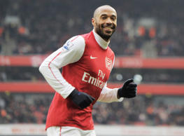 Thierry Henry of Arsena celebrates his goal, 7-1