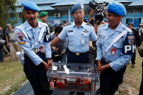 Data recorder of AirAsia flight recovered