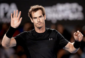 Andy Murray celebrates winning the second set in his quarterfinal match against Nick Kyrgios