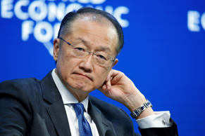 File: Jim Yong Kim, president of the World Bank Group, pauses during a session on day three of the World Economic Forum (WEF) in Davos, Switzerland, on Friday, Jan. 23, 2015.