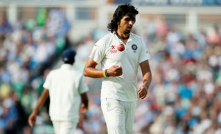File:  Ishant Sharma prepares to bowl in London.