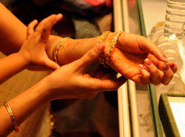 India overtakes China as world's leading gold consumer: GFMS