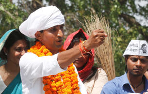 File: AAP candidate from Amethi, Kumar Vishwas campaigning in villages across constituency in Amethi, India