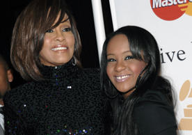 Whiteny Houston is found dead in her hotel room, submerged in the bathtub. Some days before this incident, Houston and Bobbi Kristina are spotted swimming together.