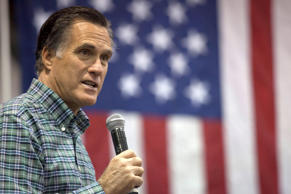 Former Massachusetts Gov. Mitt Romney addresses the crowd during a rally on November 3, 2014, in Anchorage, Alaska.