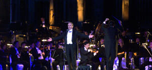 Jose Carreras performs with the Singapore Symphony Orchestra at Angkor Wat temple in Siem Reap, 186 mile northwest of Phnom Penh, on Dec 6, 2002.