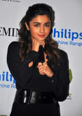 Alia shares experience of working with mom Soni Razdan in 'Raazi'