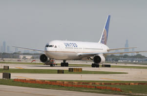A United Airlines jet taxis at O'Hare International Airport on September 19, 2014 in Chicago, Illinois.