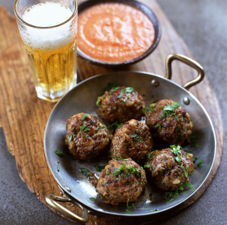 The Spanish version of the traditional meatballs, they are either served with a tomato sauce or served with a light broth with vegetables.