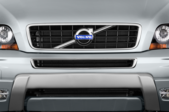 Slide 1 of 25: 2014 Volvo XC90