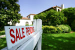 PASADENA, CA - JULY 25:  A house is seen with a 'For Sale' sign on it on July 25, 2005 in Pasadena, California. Existing home prices are shooting up at the fastest pace in nearly 25 years according to the National Association of Realtors. The record sales pace has produced a gain of 14.7 percent over the median home price a year ago, the biggest jump in prices since November 1980.  (Photo by David McNew/Getty Images)