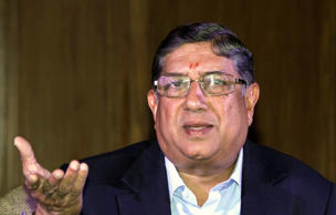 Srinivasan defends 10-team World Cup