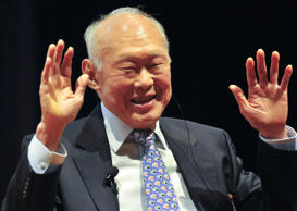 "Lee Kuan Yew, Singapore's former prime minister, speaks at the 15th International Conference on ""The Future of Asia"" in Tokyo, Japan, on Friday, May 22, 2009. The two-day conference ends today. Photographer: Kimimasa Mayama/Bloomberg News"