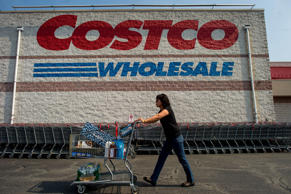 Shoppers at a Costco Wholesale store in Hackensack, U.S., on Wednesday, Sept. 11, 2013. Photographer: Ron Antonelli/Bloomberg *** Local Caption ***