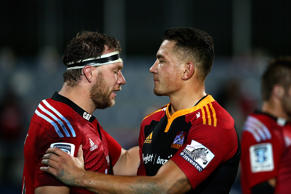 Wyatt Crockett (L) of the Crusaders and Sonny Bill Williams (R) of the Chiefs.
