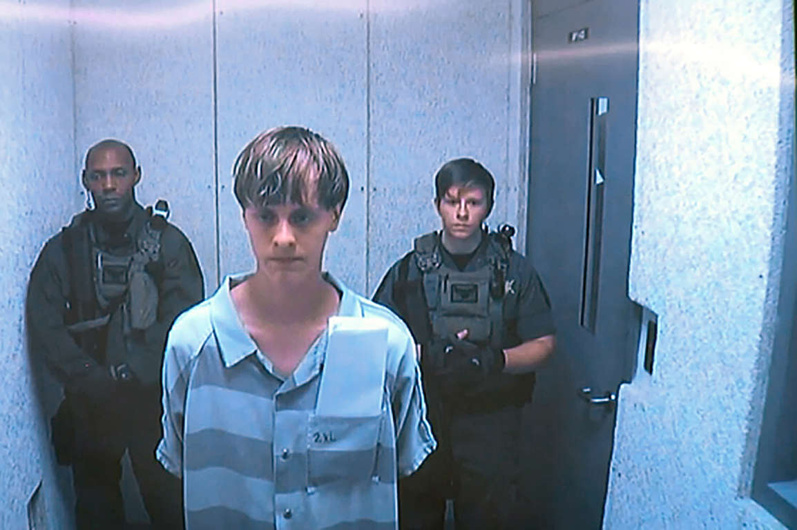 Nine People Killed in Charleston Church Shooting; Massacre Suspect Dylann Storm Roof Arrested AAbQRWN