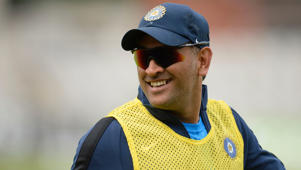 Dhoni offers to step down as captain