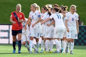 England beat Norway 2-1 in the Women's World Cup (June 22, 201)