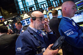 Traders work on the floor of the New York Stock Exchange during the afternoon of April 17, 2015 in New York City. The Dow Jones Industrial Average plunged nearly 280 points, following overseas markets.