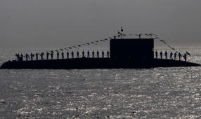 Chinese sub sailed to Pakistan through Indian waters?