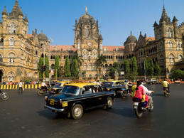 Mumbai: He was an engineer. Now he drives his taxi for free