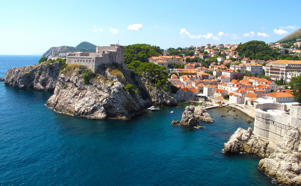 View of the West walls of Dubrovnik and the fort of Lovrijenac or St Lawrence Fortress, UNESCO World Heritage Site, Croatia.