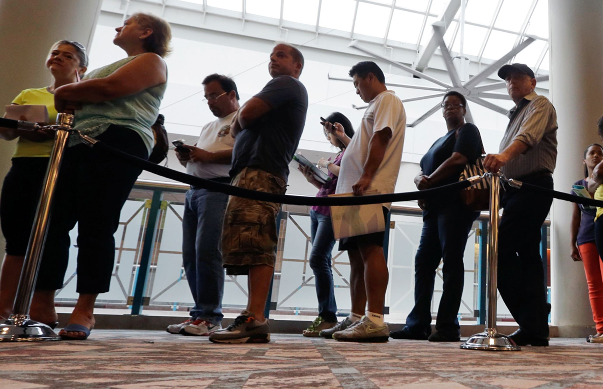 ME website struggles as new surge of workers file for jobless benefits