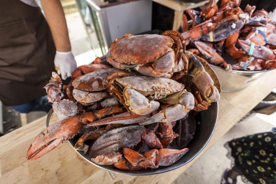 Slide 15 de 18: Shellfish can be incredibly dangerous if you have an allergy. While some people experience hives, itching, swelling, wheezing, and abdominal pain, others can go into anaphylactic shock, which stops them from breathing and can be life-threatening without medication.