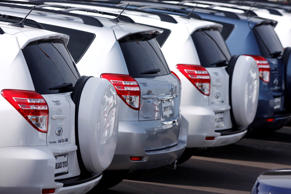 Toyota Rav-4 SUVs sit parked at a Toyota dealership in Phoenix, Arizona February 1, 2010. Joshua Lott/Reuters