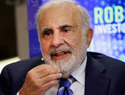 "Billionaire activist investor Carl Icahn speaks during a Bloomberg Television interview at the Robin Hood Investors Conference in New York, U.S., on Tuesday, Oct. 21, 2014. Icahn said Warren Buffett is sometimes ""way too easy"" on companies in which his Berkshire Hathaway Inc. invests. Photographer: Peter Foley/Bloomberg"